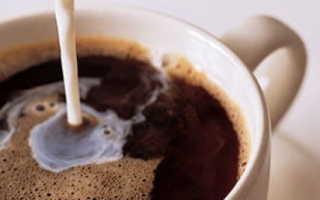 Чем полезен кофе с молоком